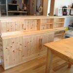 東京のオーダー家具ユウキが作った津久井の森で育ったヒノキ材を使用したカウンター下収納
