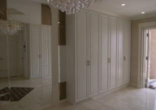 玄関収納・玄関家具 重厚デザインの玄関収納
