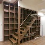 東京のオーダー家具ユウキが作った階段の隙間を利用した階段家具