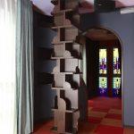 横浜のオーダー家具ユウキが作った柱を囲うように設えた柱状本棚