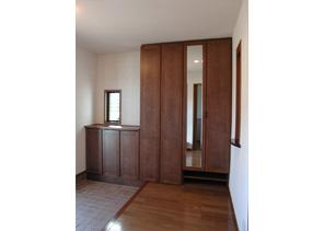 鏡の付いた玄関収納