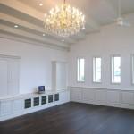 東京のオーダー家具ユウキが作った白が基調で重厚デザインのリビンッグボード・リビングプランです