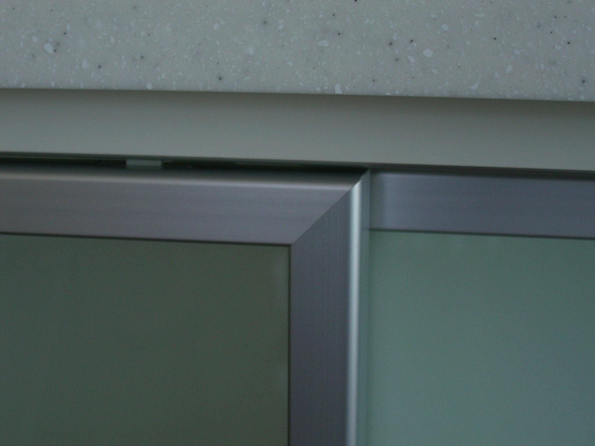 人工大理石のキッチンカウンター[3]