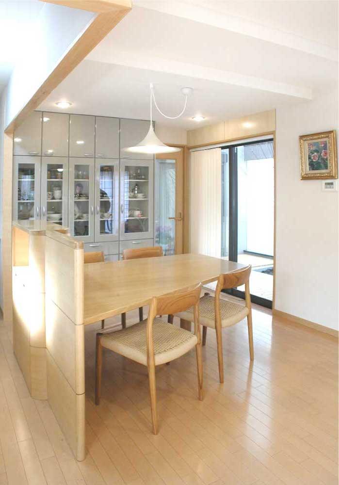 バーチ材のキッチン収納テーブル[2]
