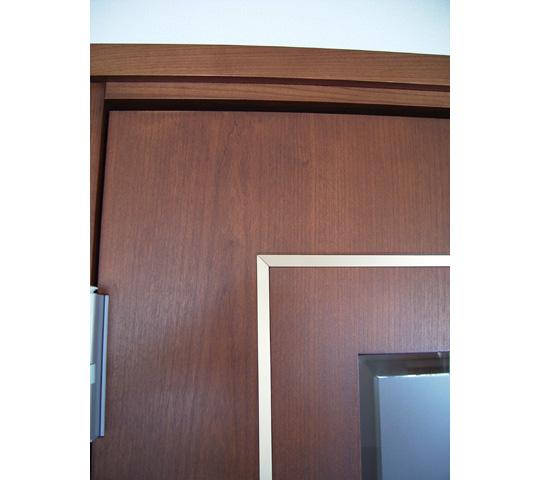 真鍮を象眼したリビングドア2