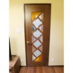 東京のオーダー家具ユウキが作ったデザインガラスを組み合わせたリビングドア