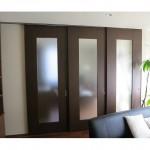 東京のオーダー家具ユウキが作った框組のフロストガラス三枚引戸