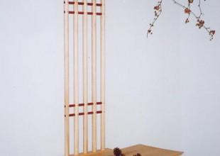 サイズの違う飾り椅子2種
