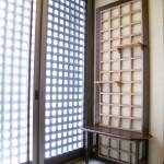 東京のオーダー家具ユウキが作った落ち着いた色調のベンチ兼飾り棚