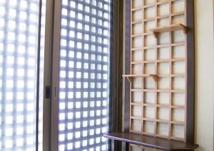 飾り棚・本棚 落ち着いた色調のベンチ兼飾り棚
