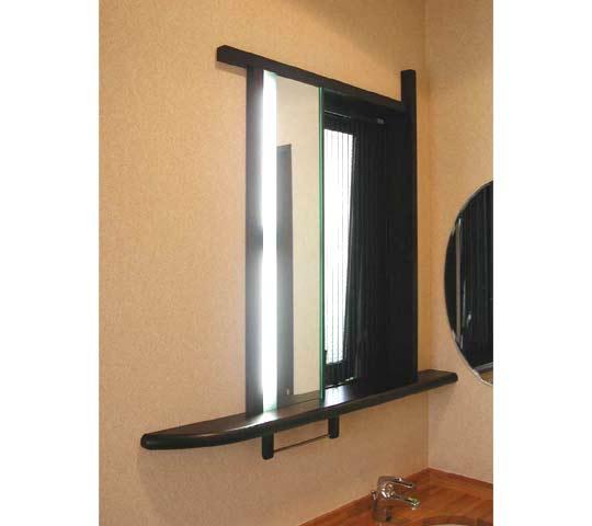 照明付き洗面所窓枠2