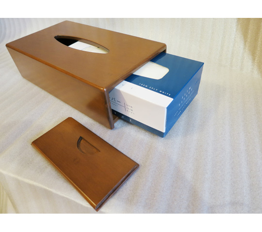 木製のティッシュケース1