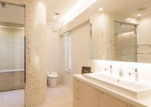オーダー家具 広々とした空間の洗面化粧台を製作