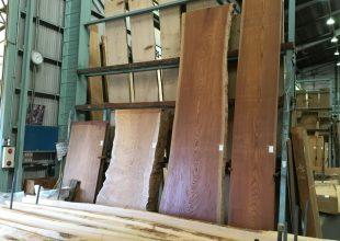 銘木を見に新木場の銘木市場に行ってきました
