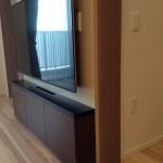 東京のオーダー家具ユウキが作った超薄型オーダーテレビボー・奥行きは16cmです。