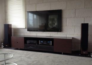 デザインにこだわったテレビ台です