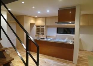 価格を抑えたキッチン家具