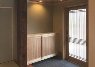 神奈川県産材のヒノキで玄関収納を製作しました。