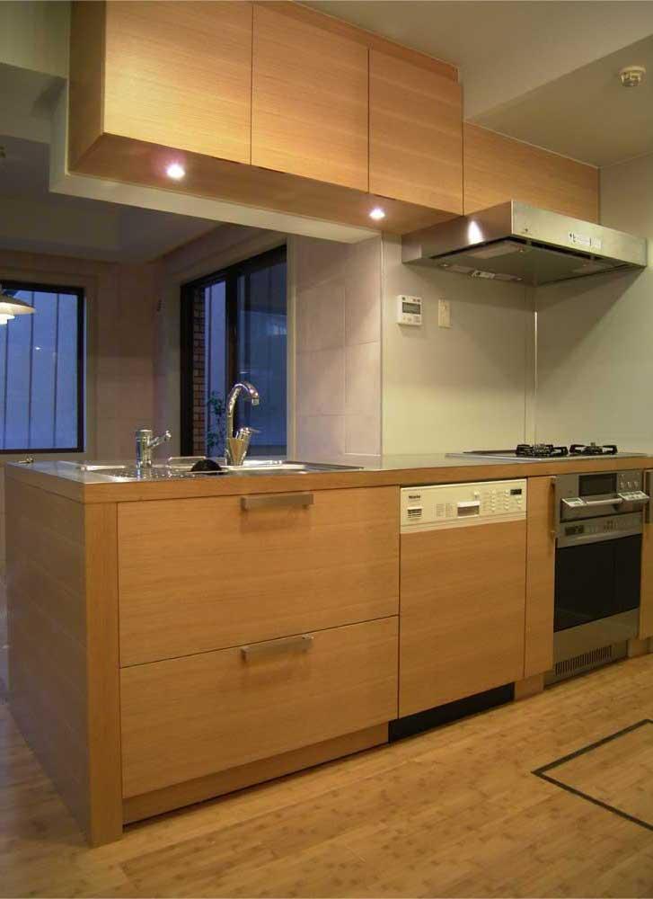 ステンレス天板とホワイトオーク材のオーダーキッチン[1]