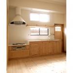 東京のオーダー家具ユウキが作った唐松材を使用したキッチン