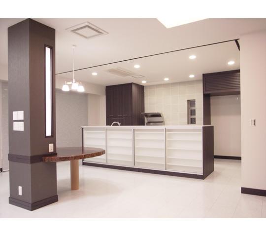 高級感と機能性を備えたキッチン1
