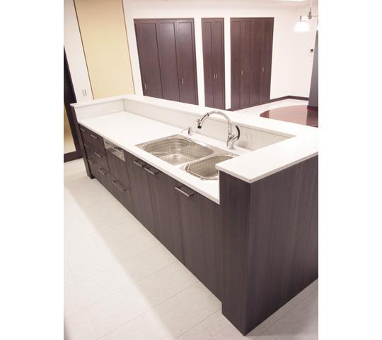 高級感と機能性を備えたキッチン5