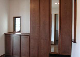 玄関収納・玄関家具 鏡の付いた玄関収納