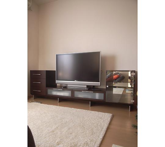 アルミ脚のテレビボード1