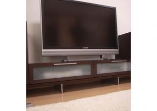 テレビボード アルミ脚のテレビボード