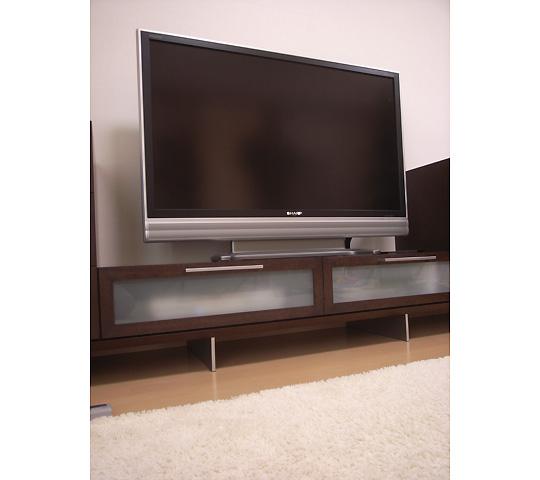 アルミ脚のテレビボード2