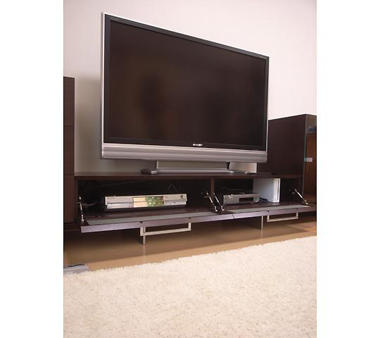 アルミ脚のテレビボード3