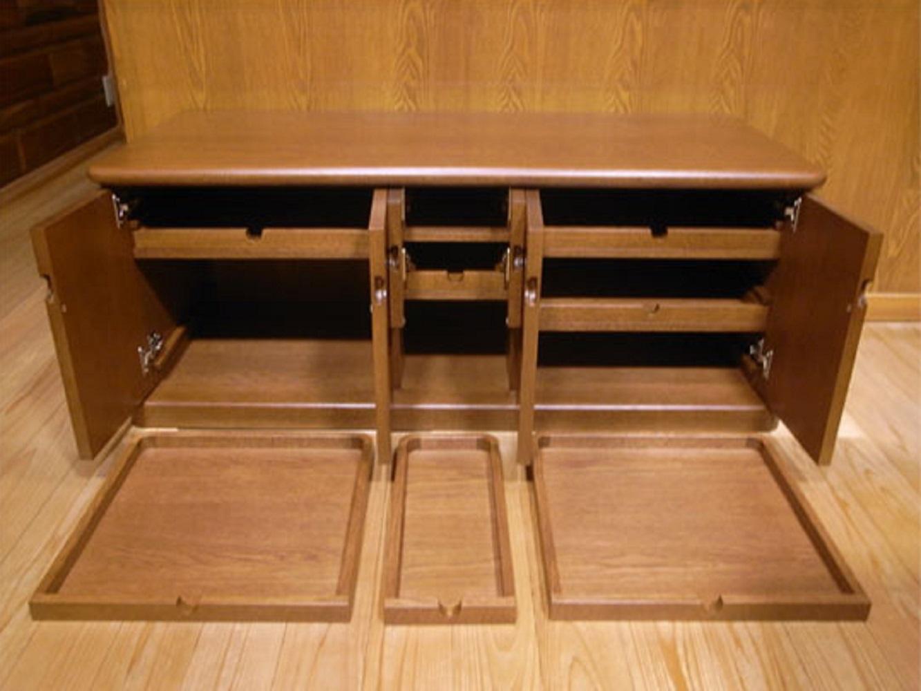 棚板を工夫したサイドボード・小物入れ_2