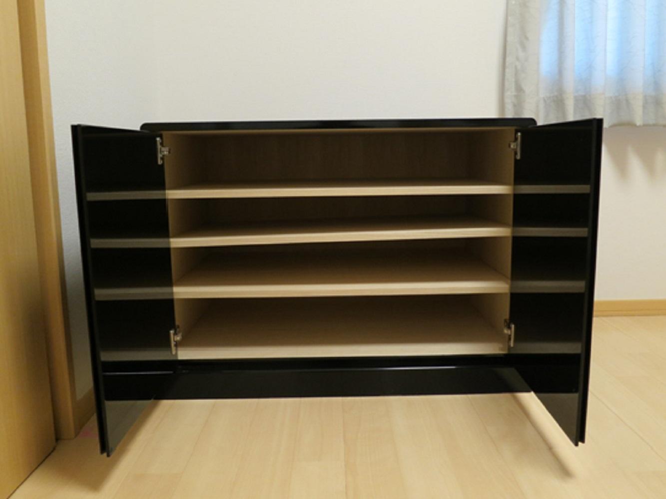 雛人形台としてご使用の黒塗り家具_3