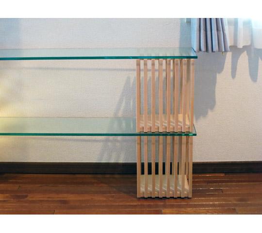 格子柱を利用して制作したデスク兼飾り棚2