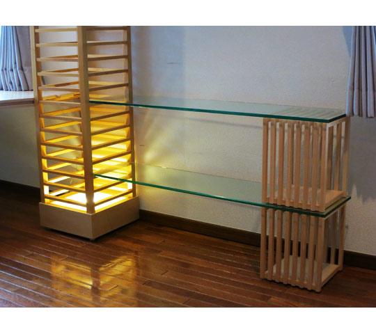 格子柱を利用して制作したデスク兼飾り棚3
