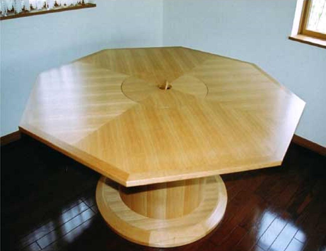 鍋を囲めるコンロ付きテーブル1