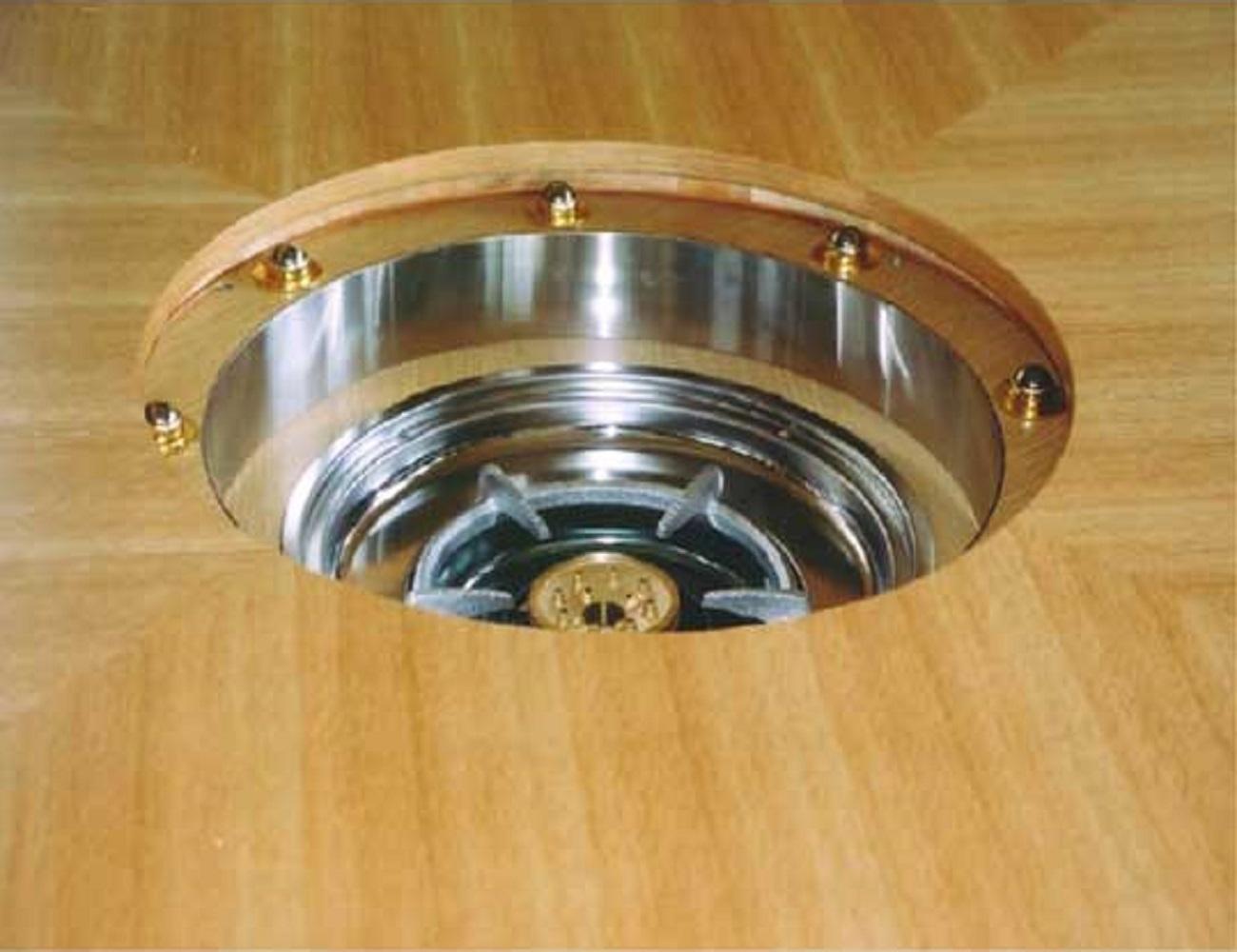 鍋を囲めるコンロ付きテーブル2