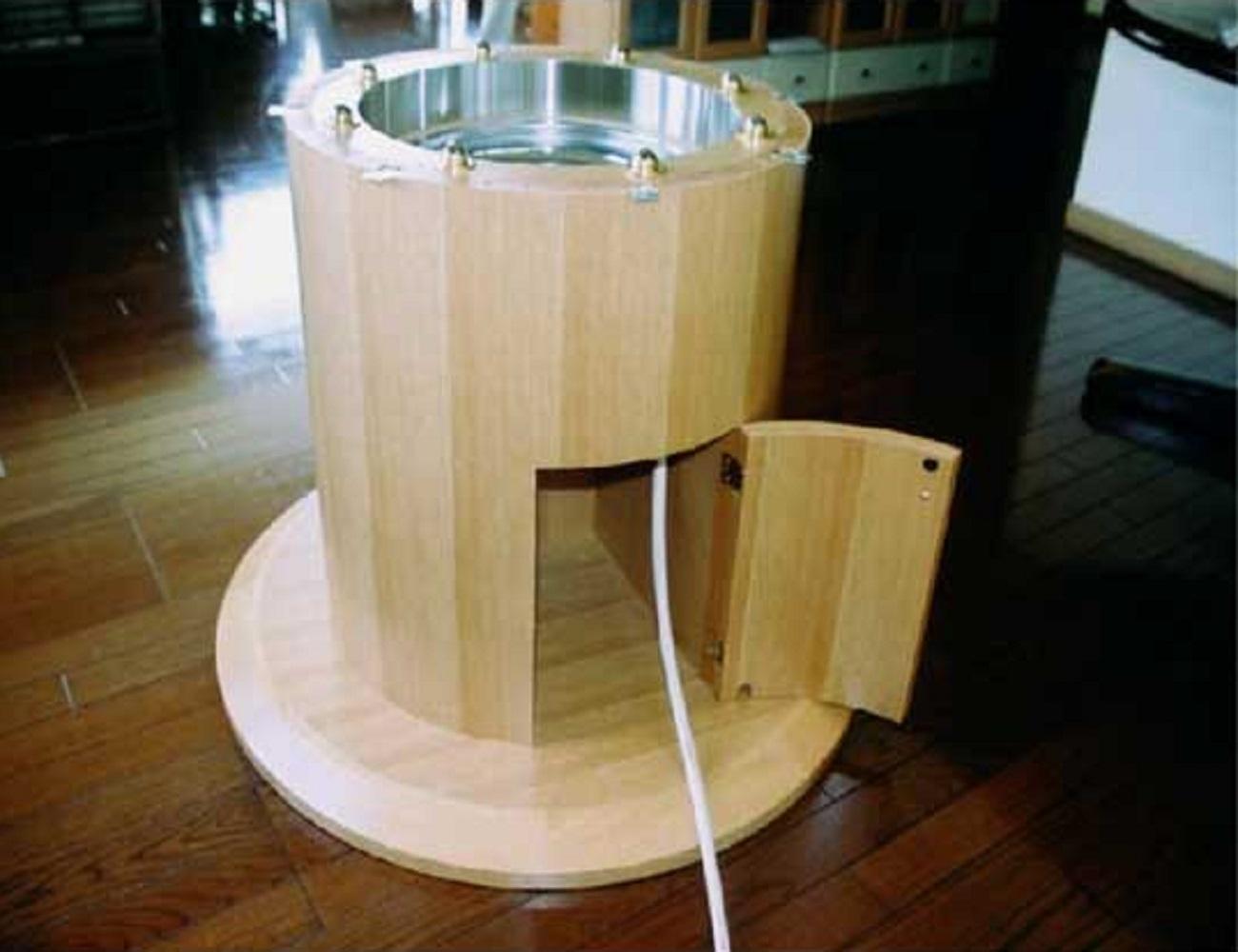 鍋を囲めるコンロ付きテーブル3