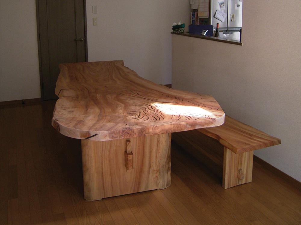 楠一枚板のダイニングテーブル[1]