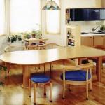 東京のオーダー家具ユウキが作ったくつろぎやすい低めのダイニングテーブル
