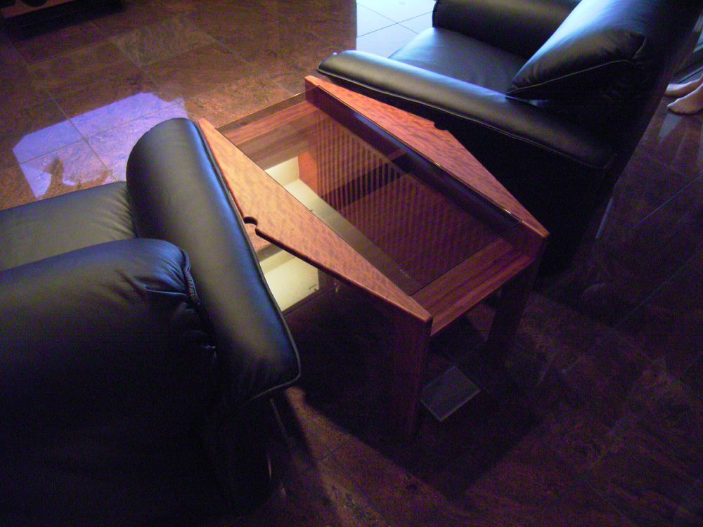 ブビンガ材のサイドテーブル[2]