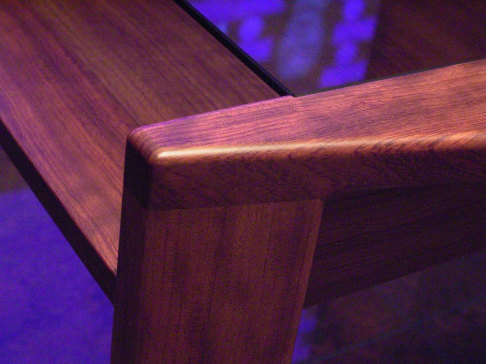 ブビンガ材のサイドテーブル[4]