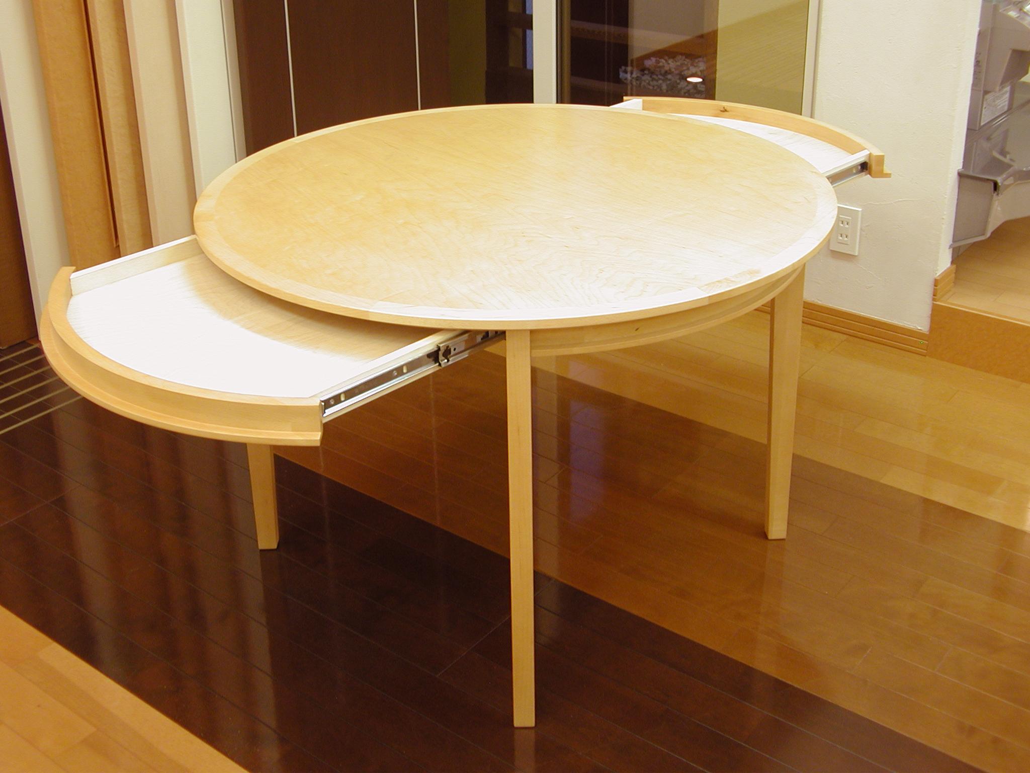 引き出し付きのシンプルな丸テーブル[3]