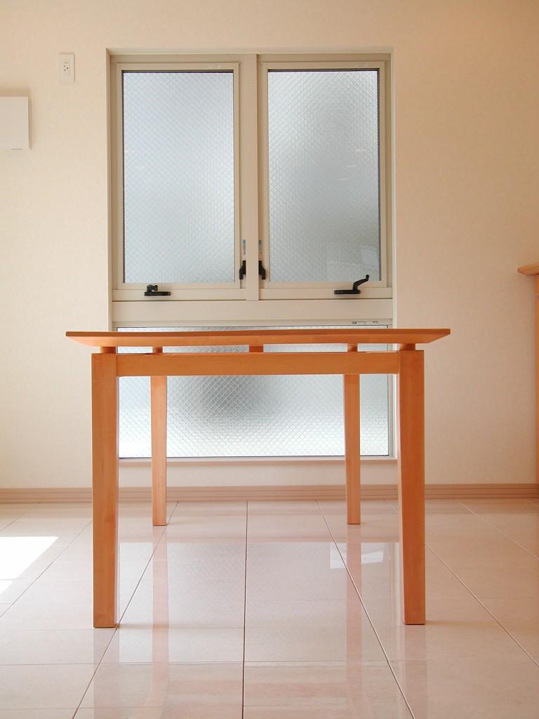 シュリ桜材のダイニングテーブル[2]
