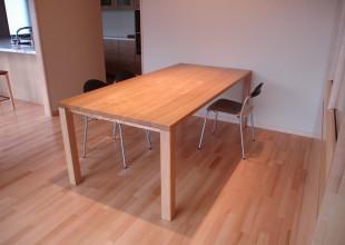 テーブル・デスク 一枚板調のダイニングテーブル