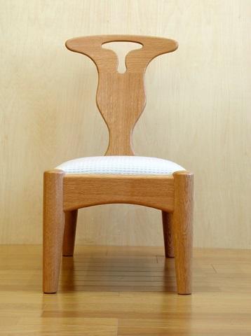 神奈川のオーダー家具屋の作る脳障害児 ルナ君の椅子_2