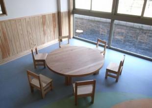 テーブル・デスク 『保育園家具』神奈川県産の杉材