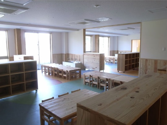 神奈川県産の杉を使用した家具3
