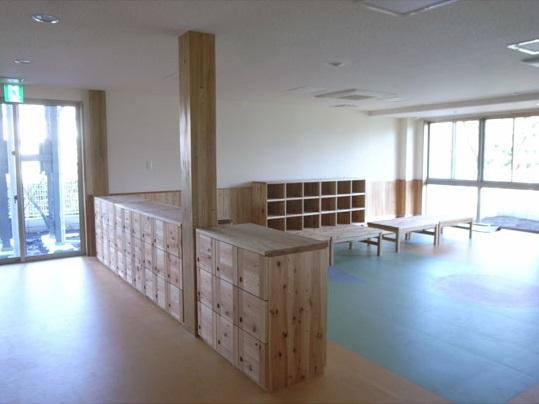 神奈川県産の杉を使用した家具5