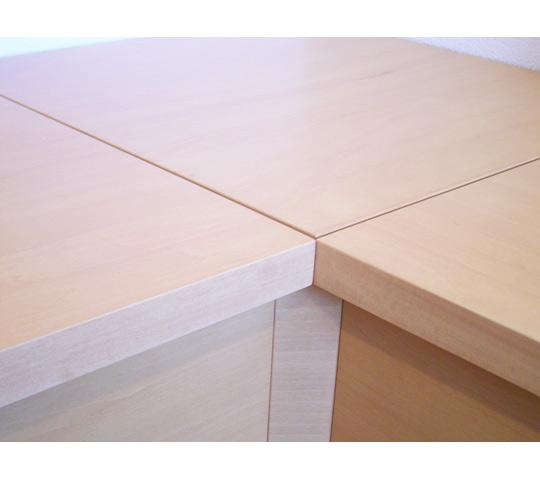 シンプルなデザインのベンチ収納_2